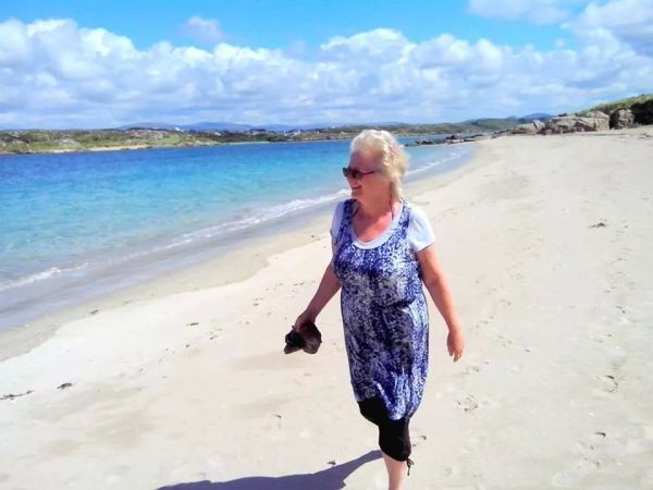 me on golf course beach, cruit island